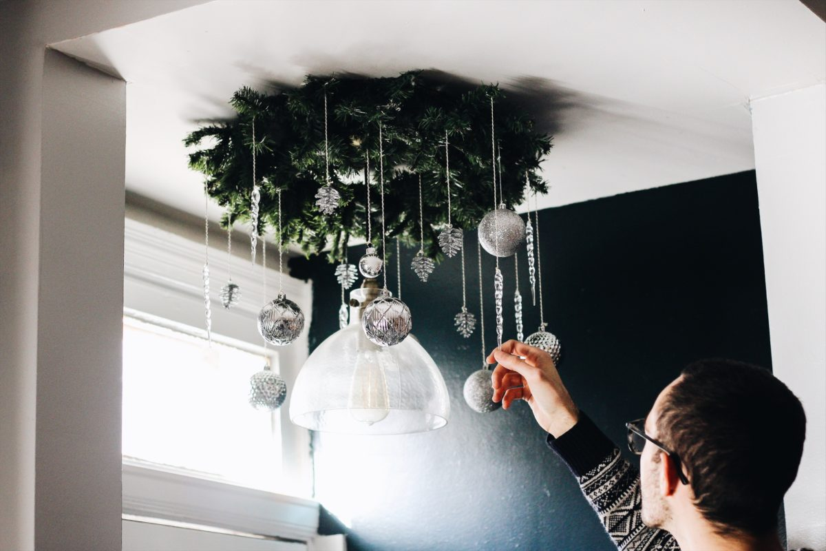 BLOGMAS DAY FIVE: DIY HANGING WREATH