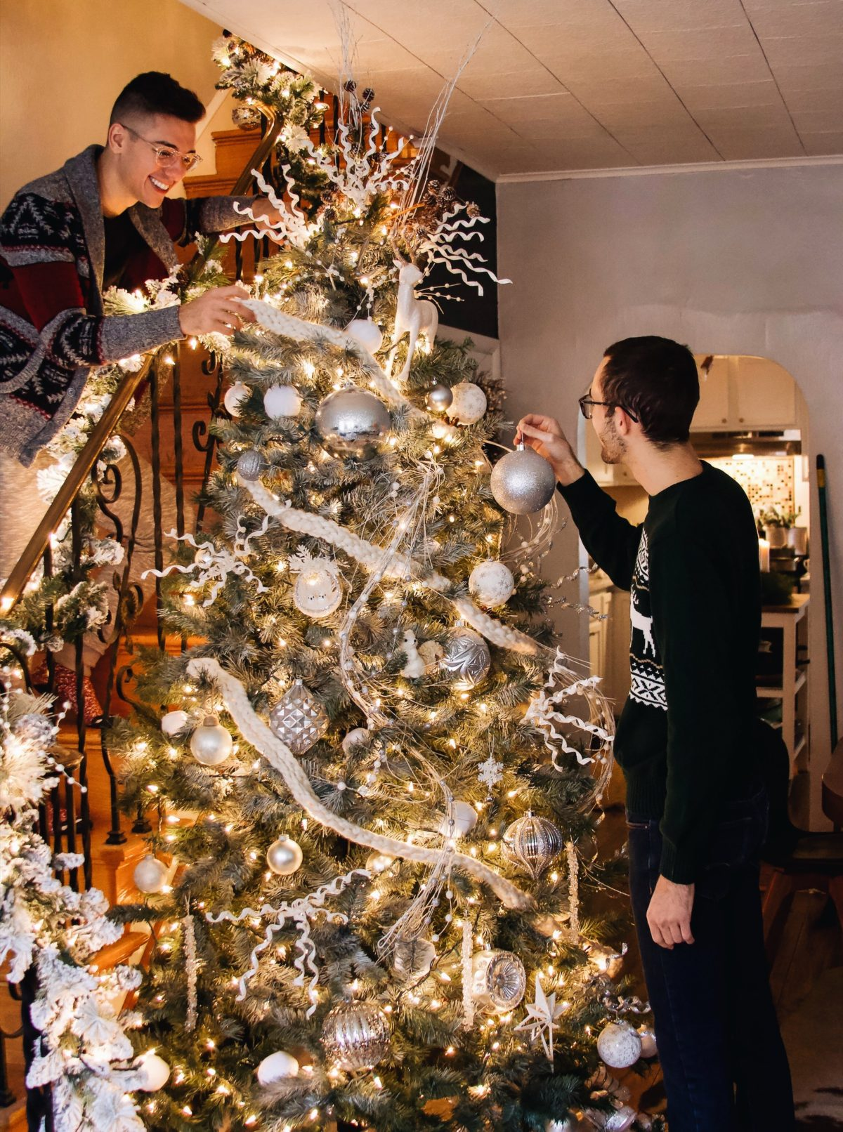 BLOGMAS DAY FOUR: OUR CHRISTMAS TREE